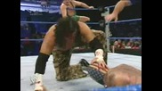 Wwe Rey mysterio чупи главата на Matt Hardy