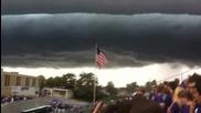 Странен облак на хоризонта H D