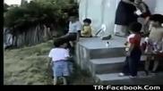 Малки циганчета играят бокс - Boxing