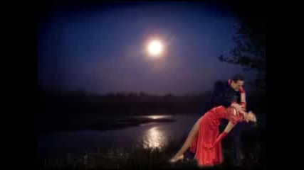 Frank Sinatra - Moon River ( Превод )