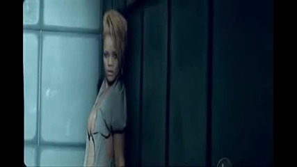 Rihanna - Russian Roulette ( Official Video Clip )