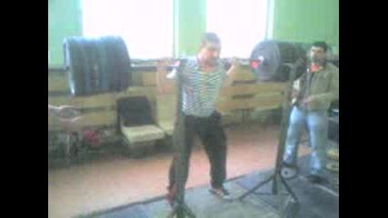 Vdigane Na Tejesti Klqkane S 240kg