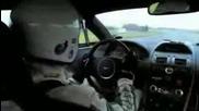 Aston Martin в действие