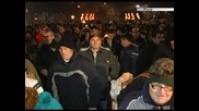 """Хиляди посрещнаха Нова година на площад """"Александър І"""" в столицата"""