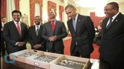 Obama Meets 3.2 Million-Year-Old Skeleton Lucy