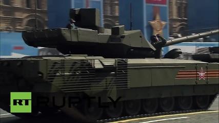 Русия: Armata T-14 боен танк за първи път на парада по случай деня на Победата