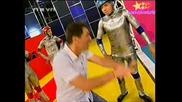 Дупка В Стената - Биг Брадърите Срещу Иво Играта 1 кръг! 01.08.2008