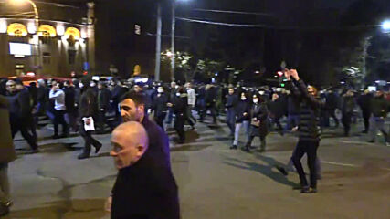 Armenia: Supporters and opponents or PM Pashinyan take to Yerevan streets