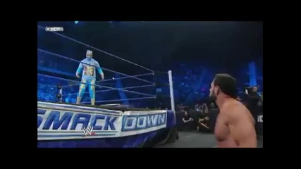 Sin_cara_attacks_chavo_guerrero_