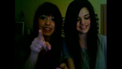 Demi Lovato and Selena Gomez - Questions & Answers!!!!