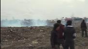 France: Police use tear gas on refugees at Calais 'Jungle'