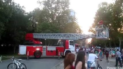 Демонстрация на автомеханична стълба Mercedes-benz за гасене на пожар в Бургас