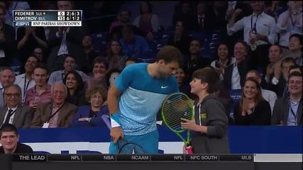 Ню Йорк полудя! Гришо даде ракетата си на момченце, а детето излезе срещу Федерер