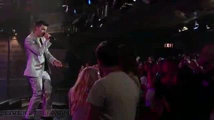 Джо Джонас на живо от шоуто на Летърман - Just In Love ( Перфектно Качество)