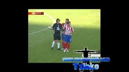 Вратар вкара гол от своята врата в Португалия