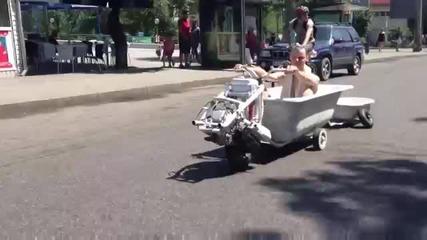 Моторизирана вана на пътя
