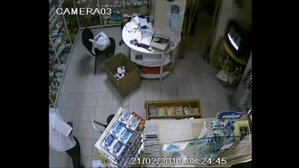 Kradliviat farmacevt 2