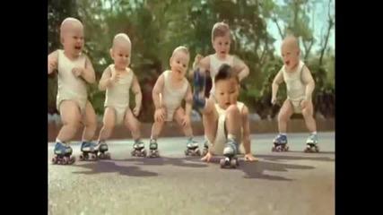 Бебета танцуват на Billie Jean
