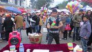 Вижте как привлича клиенти този китайски продавач!