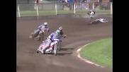 Ето как мотоциклетист в състезание с мотора си изплаши зрителите !