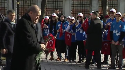 Turkey: Erdogan lays flowers to mourn Istanbul suicide attack victims