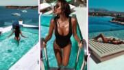 Синьото ѝ отива: Николета Лозанова съблазнява от луксозен хотел на Атинската ривиера