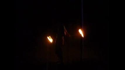 Веско върти огнени пойове