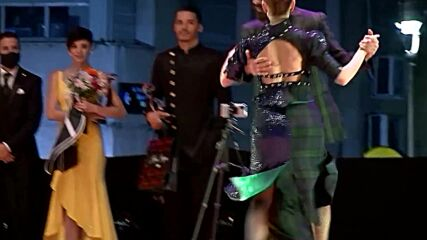 Argentinian couples win top tango competition in Buenos Aires