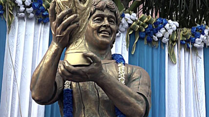 India: Fans play tribute to Maradona at statue site in Kolkata