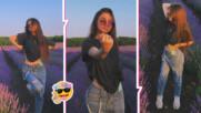 В сезона на лавандулата: Крисия с фотосесия сред полето, готви скорошна изненада