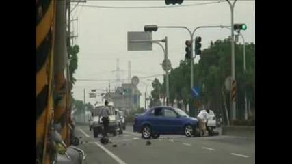 Скутер Се Мери С Кола (crash)