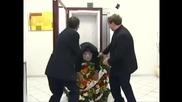 (смях) Скрита камера мъртвец в асансьор Част 2