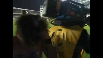 Удрят Неймар с камера по главата след загуба