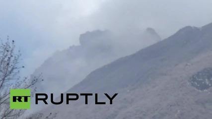 Вулканът Синабунг изригна в Индонезия и предизвика масови евакуации