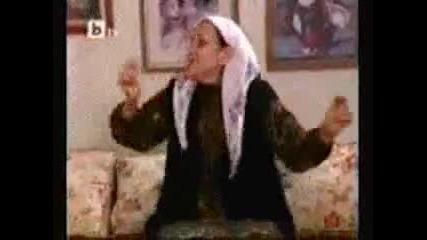 Лудата баба танцува кючек - Много смях