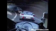 Bugatti Veyron vs. Yamaha R1 - Racing Down Motorway