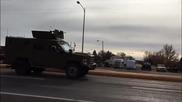 Какво става в Силно охраняван уж военен конвой ,в който един от шофьорите става за смях