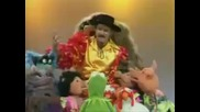 Джон Клииз в Шоуто на Мъпетите