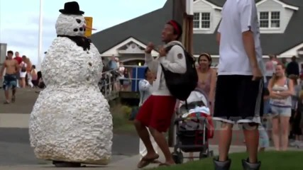 Страшен снежен човек (смях)