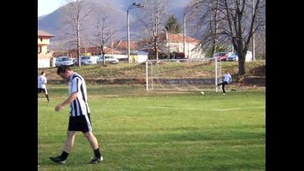 Приятелски мач на стадиона в с.тополово - 13.11.2010