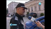 """Автомобил се вряза в протестиращите на площад """"независимост"""""""