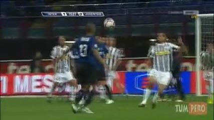 Maicon scores a beauty (inter - Juventus 1:0 goal)