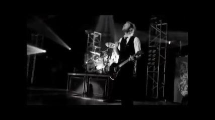 Skillet - concert - album : Comatose & Comes Alive : live ! { part 2 } | 2/4