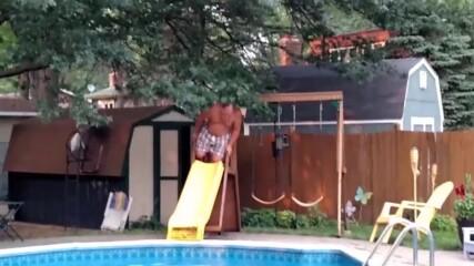 Гафове на водната пързалка! - Голям смях