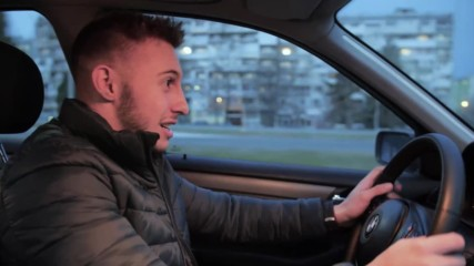 """""""Разбирач на коли"""" - Светът на Ванката"""