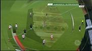 ВИДЕО: Фен нахлу на терена, опита саморазправа с Рибери