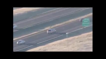 Луд маниак краде коли и бяга от полицията