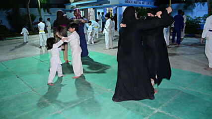 Pakistan: Free self-defence classes offered in Karachi as sexual assault cases rise
