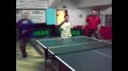 Тенис На Маса - Комбинация, Кой Играе