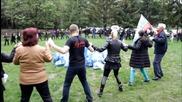 Школа за народни танци Еремия на Камбаните, взимайки участие в Да изчистим България за един ден